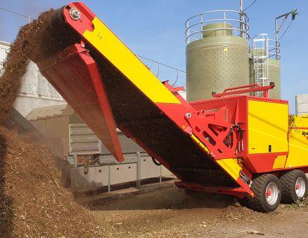 Broyeur de compost avec rouleau de déferrage
