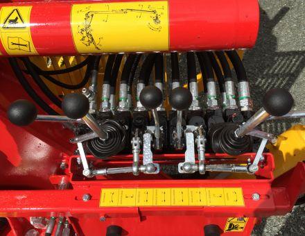"""Commandes par distributeurs hydrauliques, type """"corne de renne"""""""