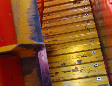 Croix de fendage et tapis métallique