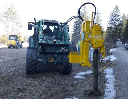 Montage sur chargeur avant de tracteur