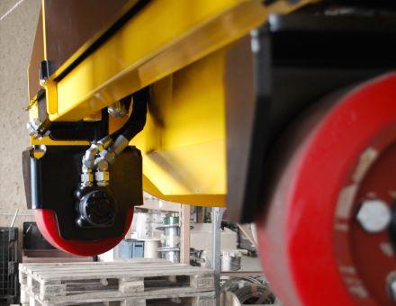 Entraînement hydraulique généré par les roues