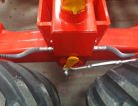 Freins hydrauliques sur les 4 roues