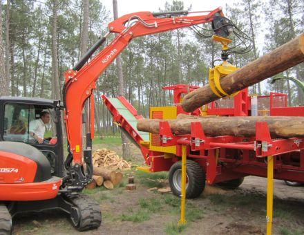 Grappin forestier sur mini-pelle KUBOTA