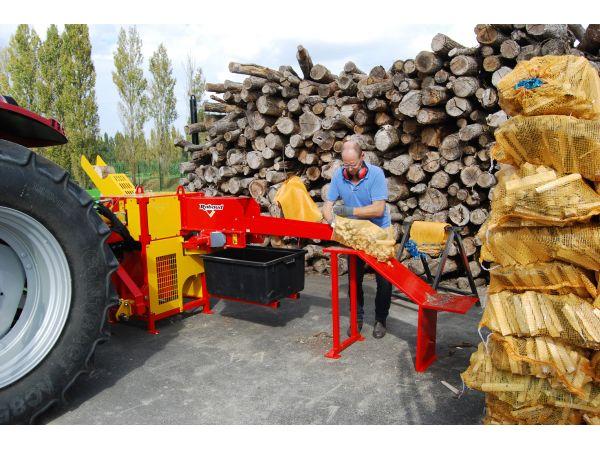 Ensachage du bois rangé
