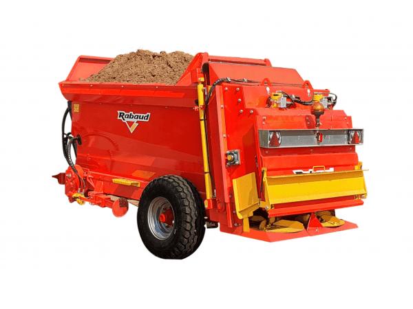 Épandeur de compost trainée