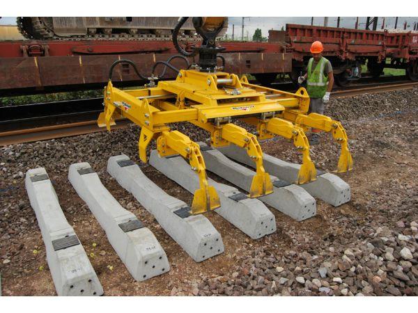 Pose de chemin de fer avec le PTRAV4