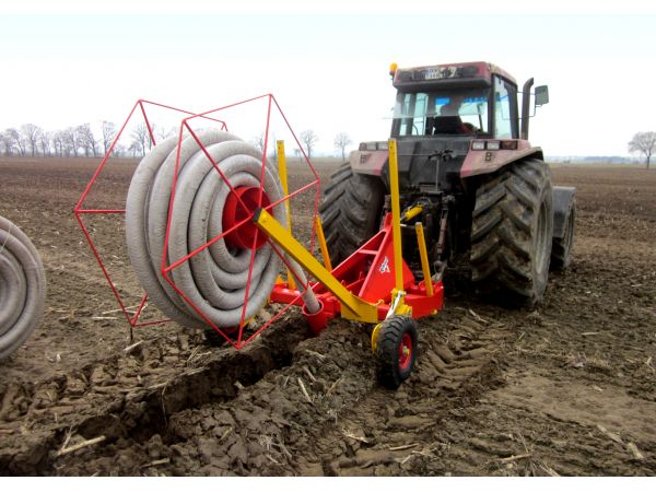 Pose de drains avec la sous-soleuse DRAINEUSE 1,09 m