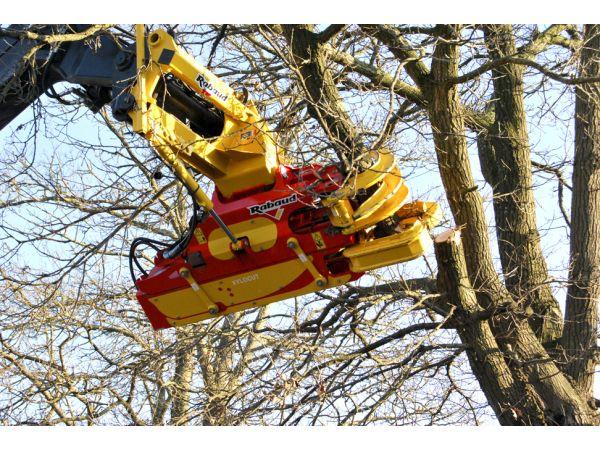 Inclinaison hydraulique du coupeur de branches