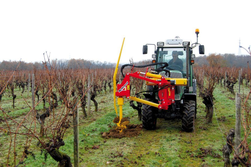 Tarière hydraulique tracteur pour vigne